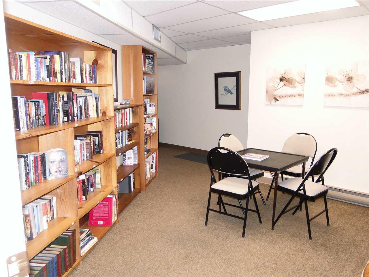 Condo Apartment at 105 5477 WHARF AVENUE, Unit 105, Sunshine Coast, British Columbia. Image 18
