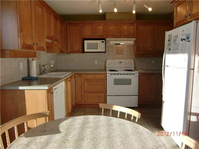 Condo Apartment at 808 5639 HAMPTON PLACE, Unit 808, Vancouver West, British Columbia. Image 4