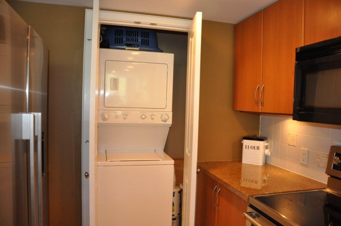 Condo Apartment at 1101 290 NEWPORT DRIVE, Unit 1101, Port Moody, British Columbia. Image 16