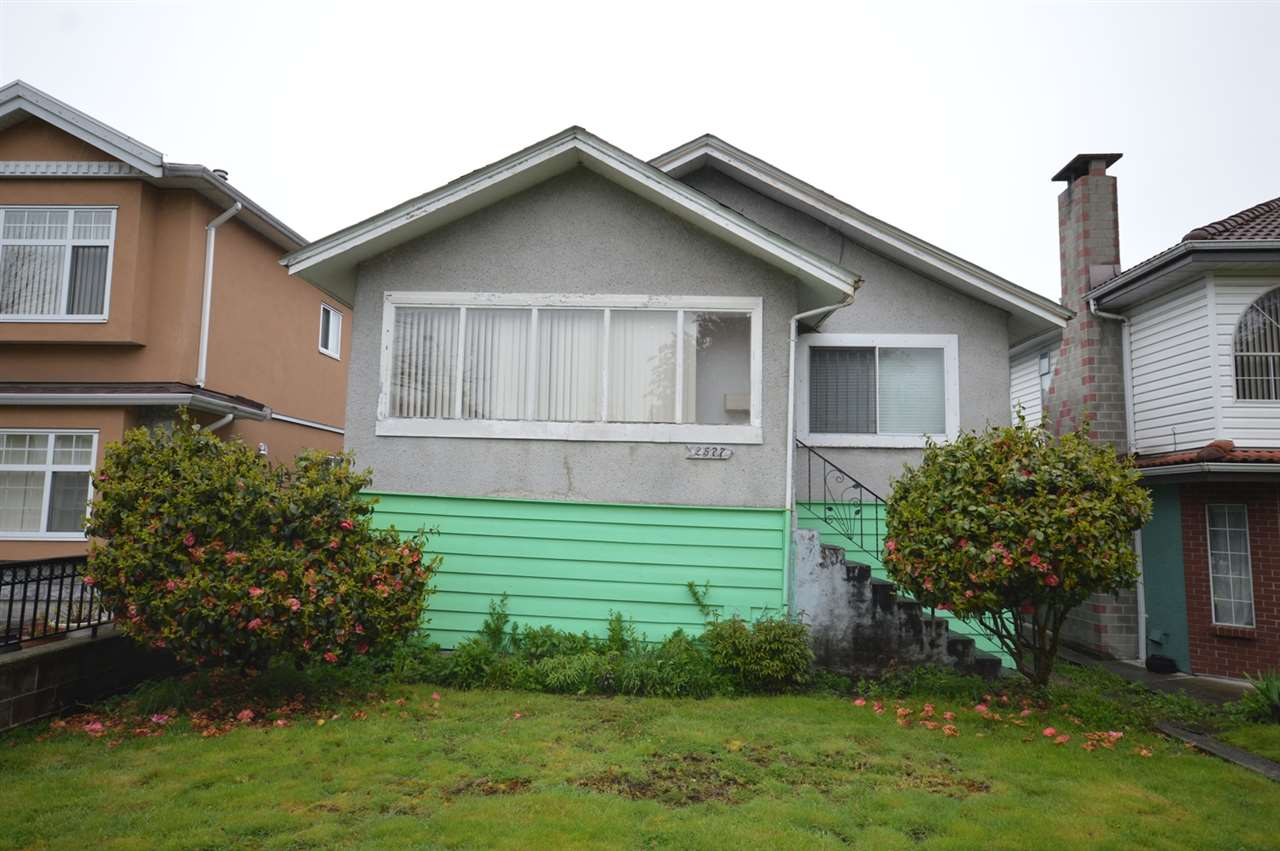 Detached at 2577 PARKER STREET, Vancouver East, British Columbia. Image 2