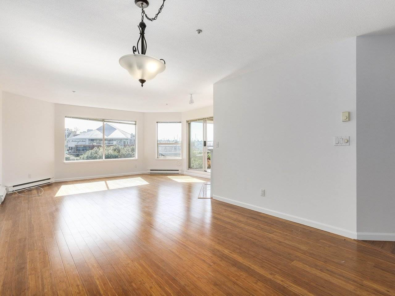 Condo Apartment at 221 525 WHEELHOUSE SQUARE, Unit 221, Vancouver West, British Columbia. Image 2
