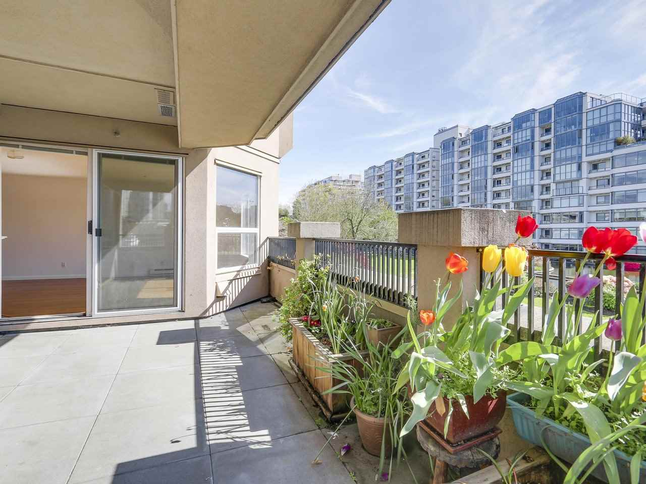 Condo Apartment at 221 525 WHEELHOUSE SQUARE, Unit 221, Vancouver West, British Columbia. Image 14