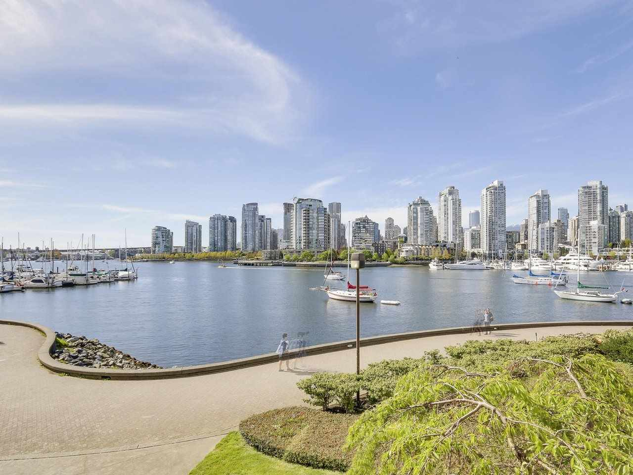Condo Apartment at 221 525 WHEELHOUSE SQUARE, Unit 221, Vancouver West, British Columbia. Image 16