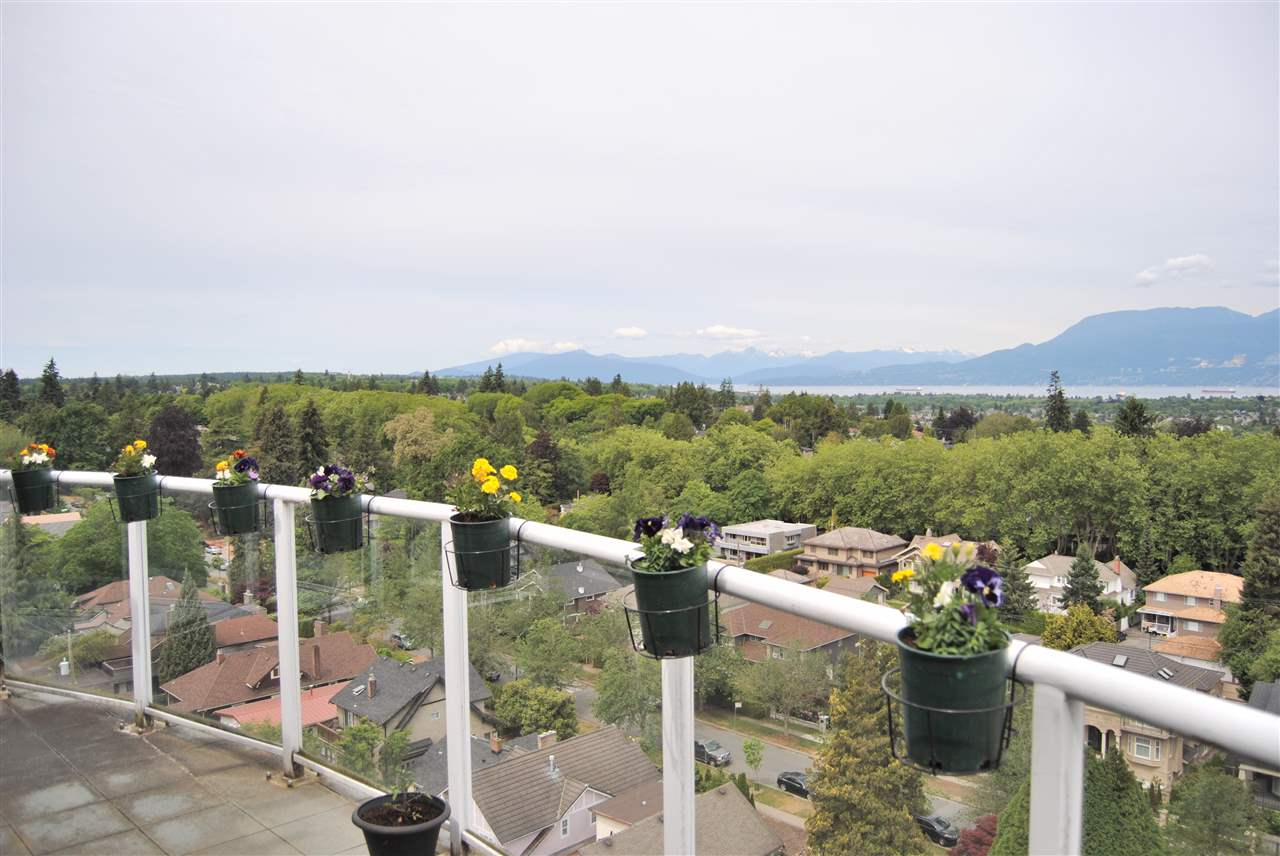 Condo Apartment at PH1 2121 W 38TH AVENUE, Unit PH1, Vancouver West, British Columbia. Image 2