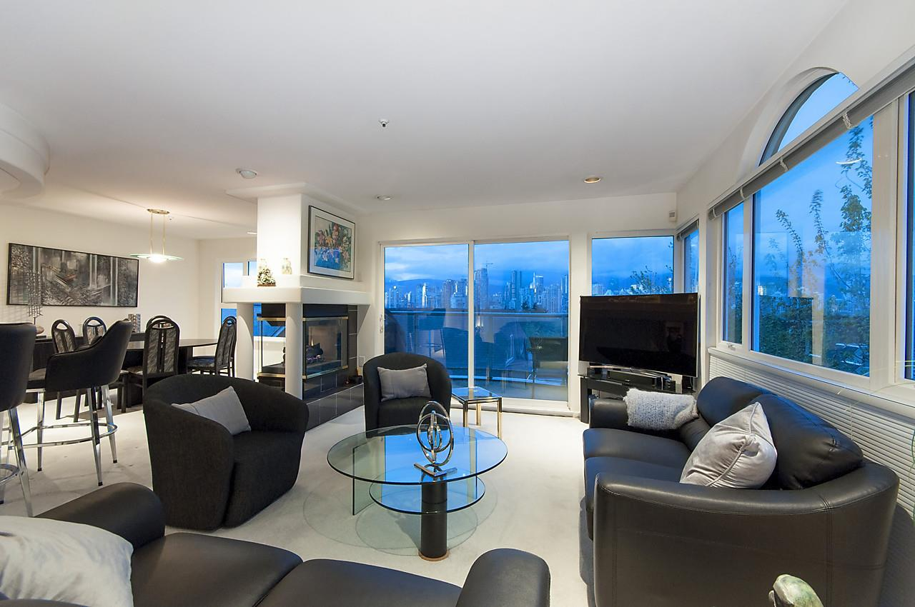 Townhouse at 901 W 8TH AVENUE, Vancouver West, British Columbia. Image 3