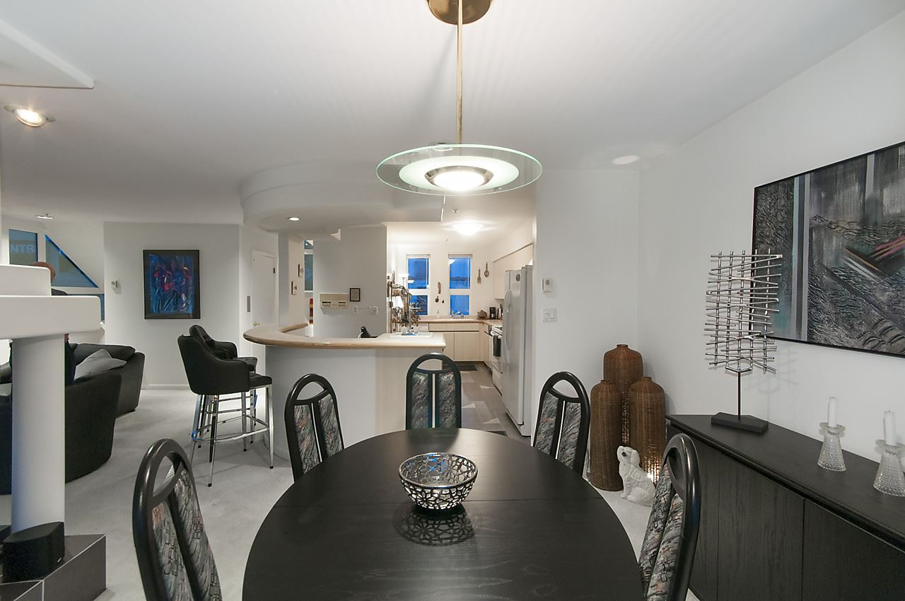Townhouse at 901 W 8TH AVENUE, Vancouver West, British Columbia. Image 6