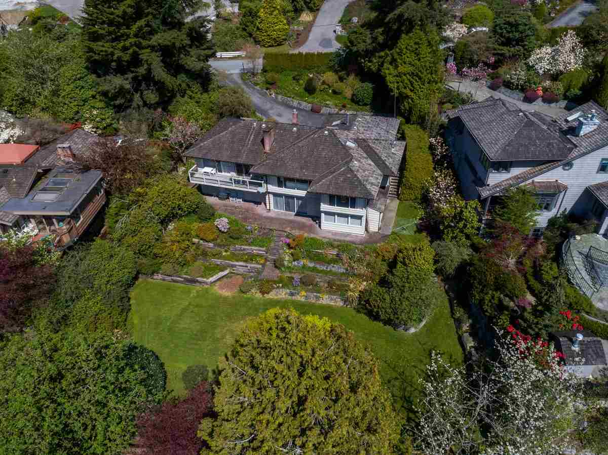 Detached at 3170 BENBOW ROAD, West Vancouver, British Columbia. Image 1