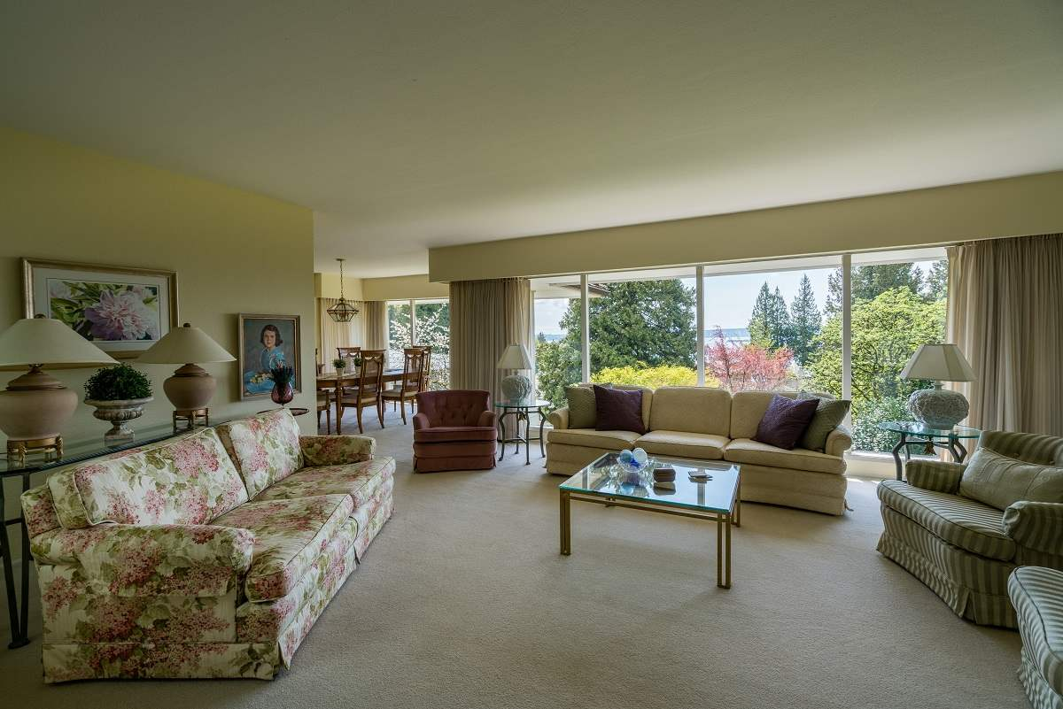 Detached at 3170 BENBOW ROAD, West Vancouver, British Columbia. Image 6