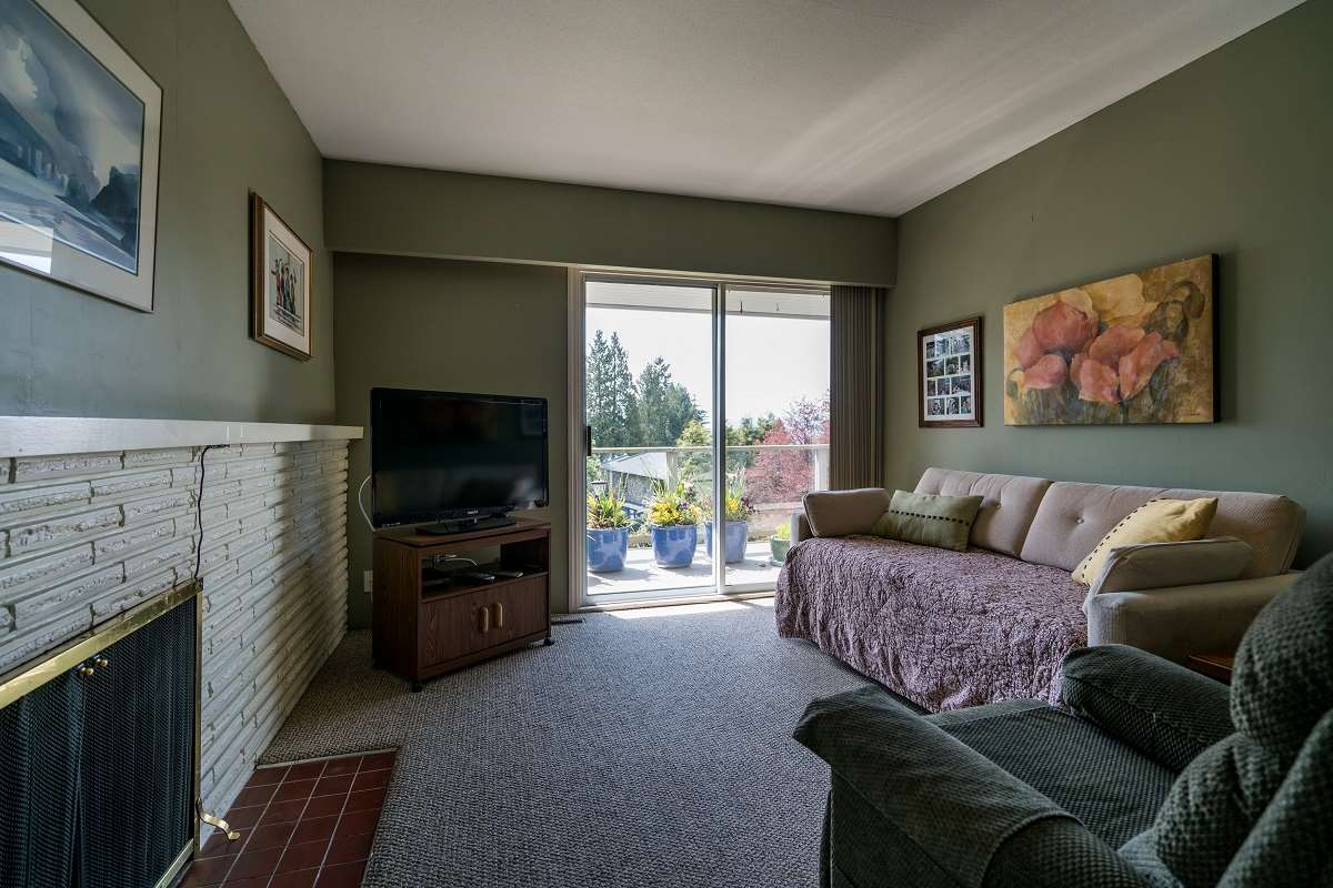 Detached at 3170 BENBOW ROAD, West Vancouver, British Columbia. Image 10