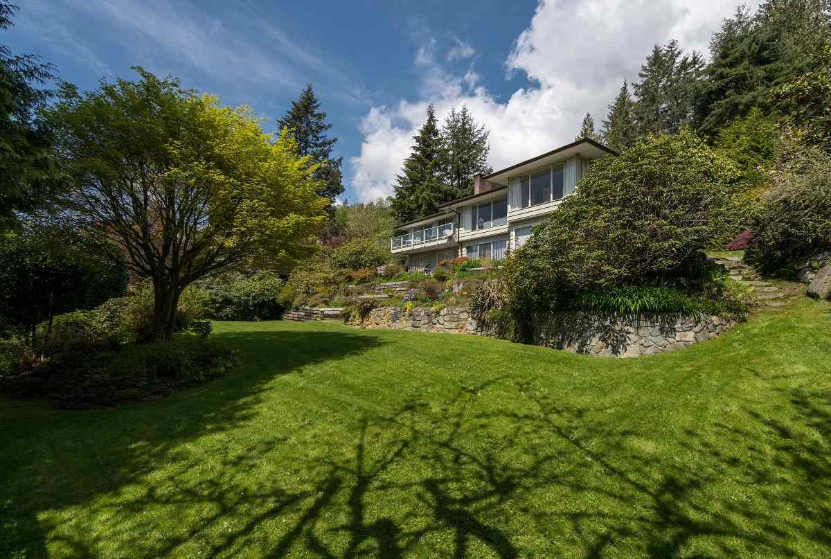 Detached at 3170 BENBOW ROAD, West Vancouver, British Columbia. Image 15