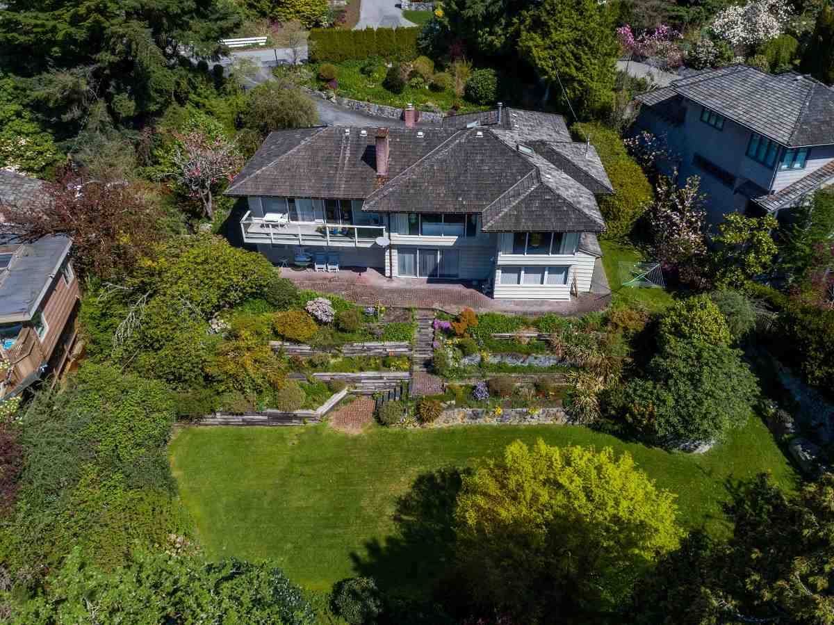 Detached at 3170 BENBOW ROAD, West Vancouver, British Columbia. Image 19