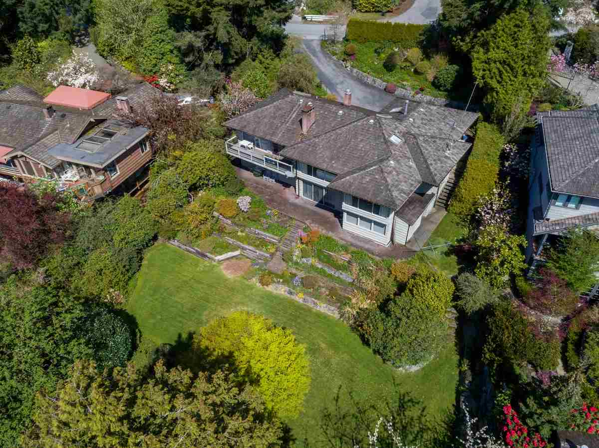 Detached at 3170 BENBOW ROAD, West Vancouver, British Columbia. Image 20