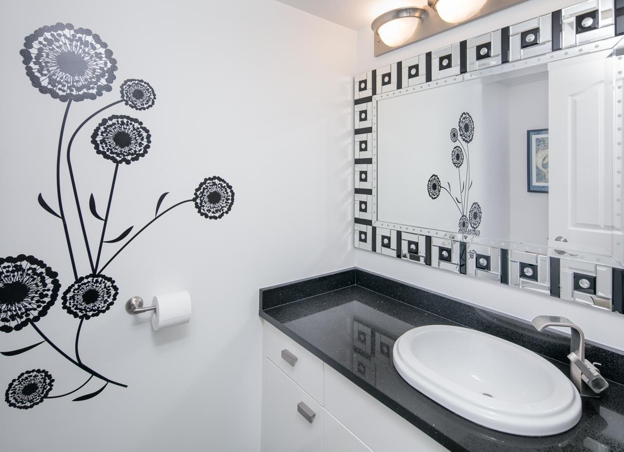 Condo Apartment at 1104 719 PRINCESS STREET, Unit 1104, New Westminster, British Columbia. Image 17