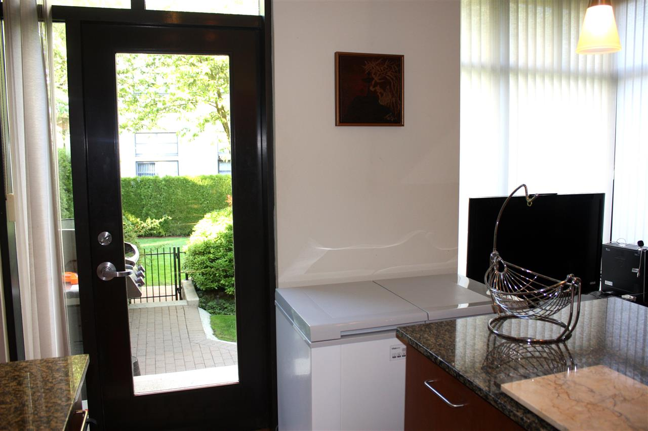 Townhouse at 3 4333 CENTRAL BOULEVARD, Unit 3, Burnaby South, British Columbia. Image 6