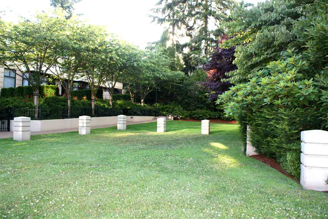 Townhouse at 3 4333 CENTRAL BOULEVARD, Unit 3, Burnaby South, British Columbia. Image 16