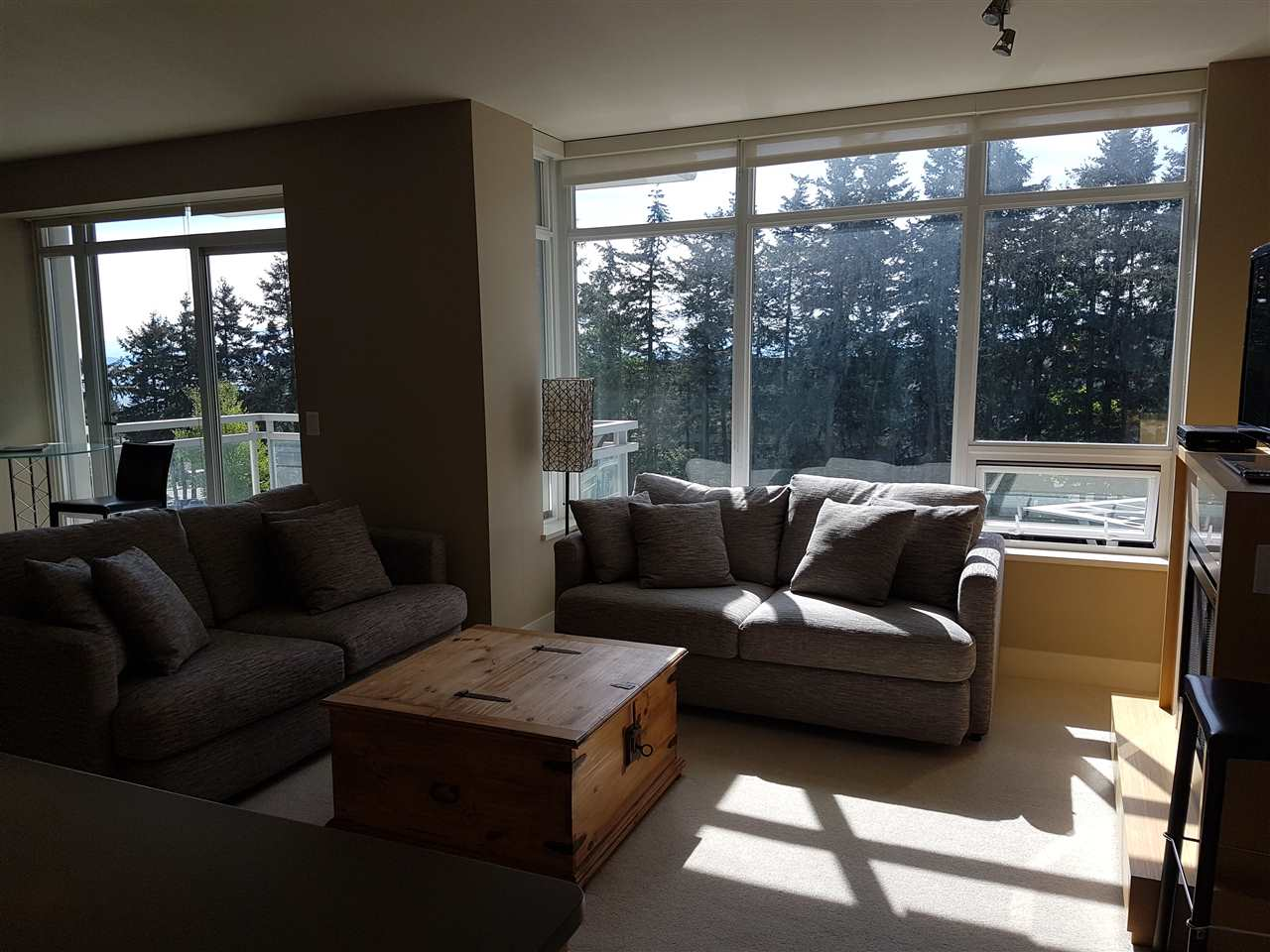 Condo Apartment at 503 1473 JOHNSTON ROAD, Unit 503, South Surrey White Rock, British Columbia. Image 6