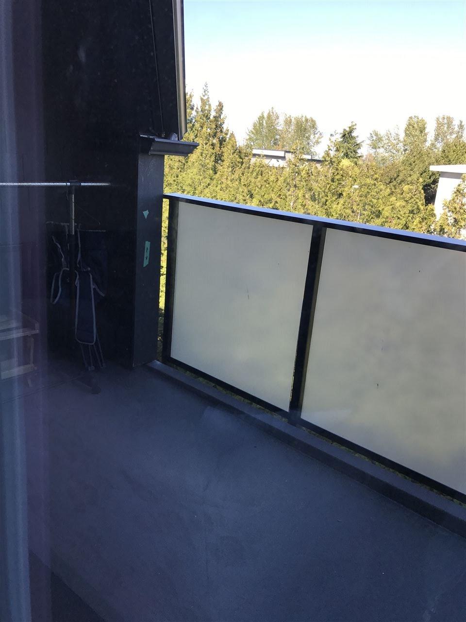Condo Apartment at 306 1830 E SOUTHMERE CRESCENT, Unit 306, South Surrey White Rock, British Columbia. Image 3