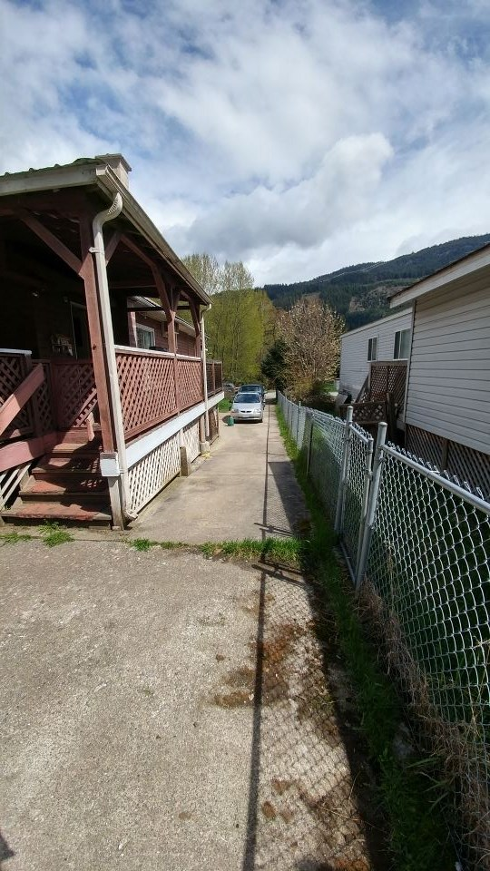 Detached at 48803 CHAUMOX ROAD, Hope, British Columbia. Image 13