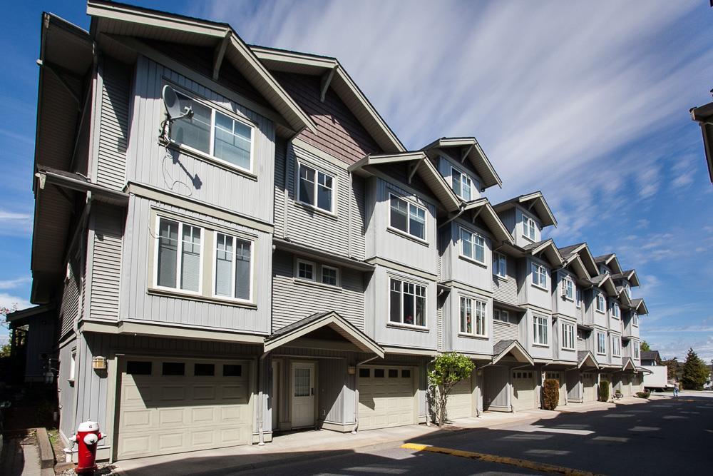 Townhouse at 95 12040 68 AVENUE, Unit 95, Surrey, British Columbia. Image 2