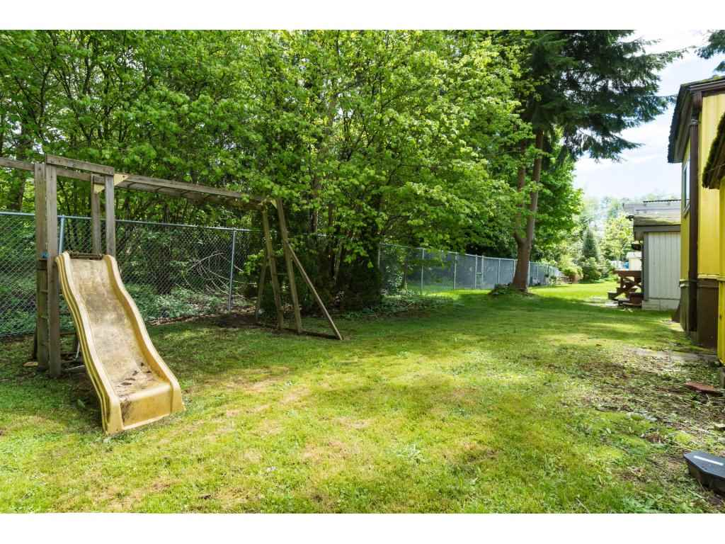 Detached at 136 7790 KING GEORGE BOULEVARD, Unit 136, Surrey, British Columbia. Image 3