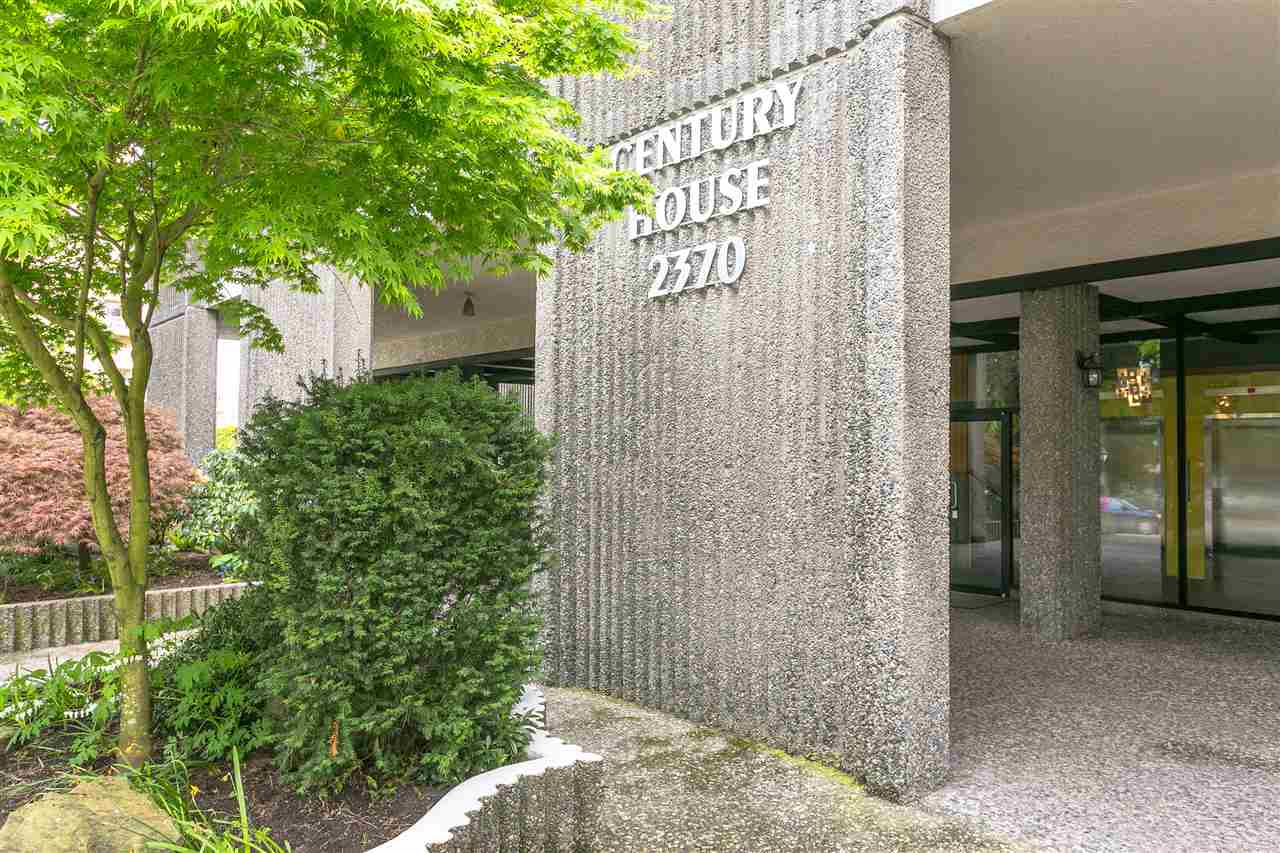 Condo Apartment at 304 2370 W 2ND AVENUE, Unit 304, Vancouver West, British Columbia. Image 1