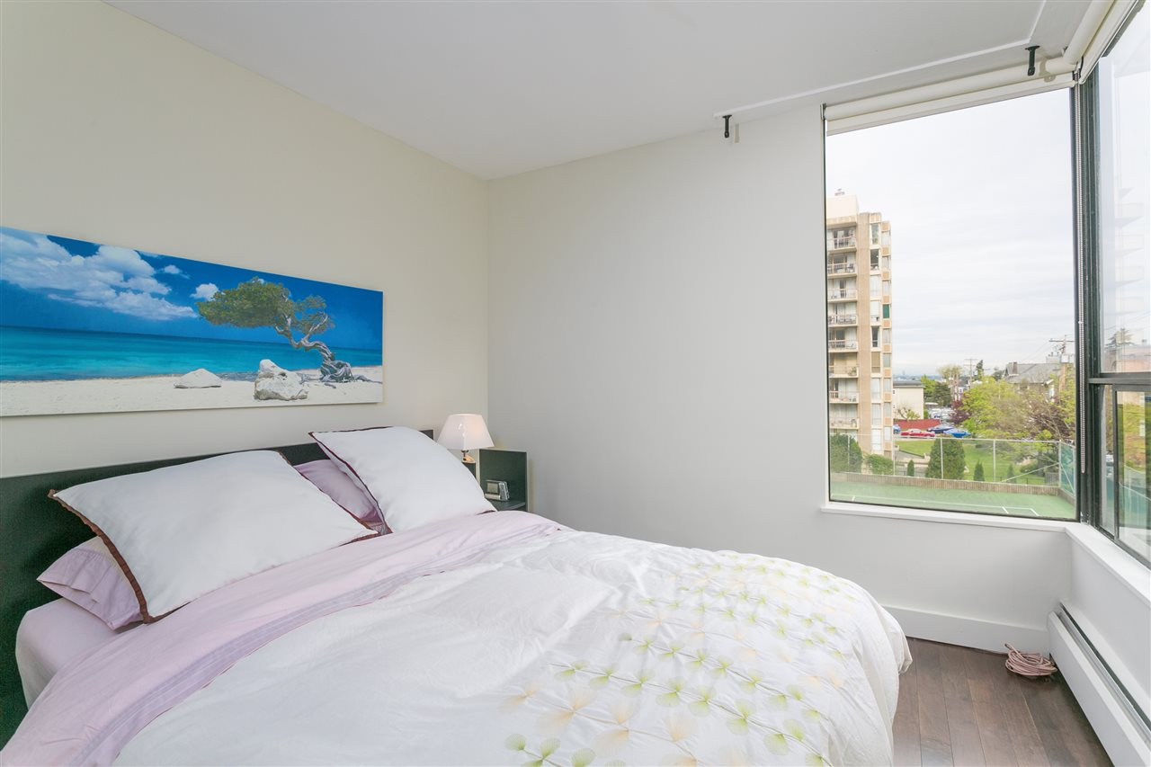 Condo Apartment at 304 2370 W 2ND AVENUE, Unit 304, Vancouver West, British Columbia. Image 4