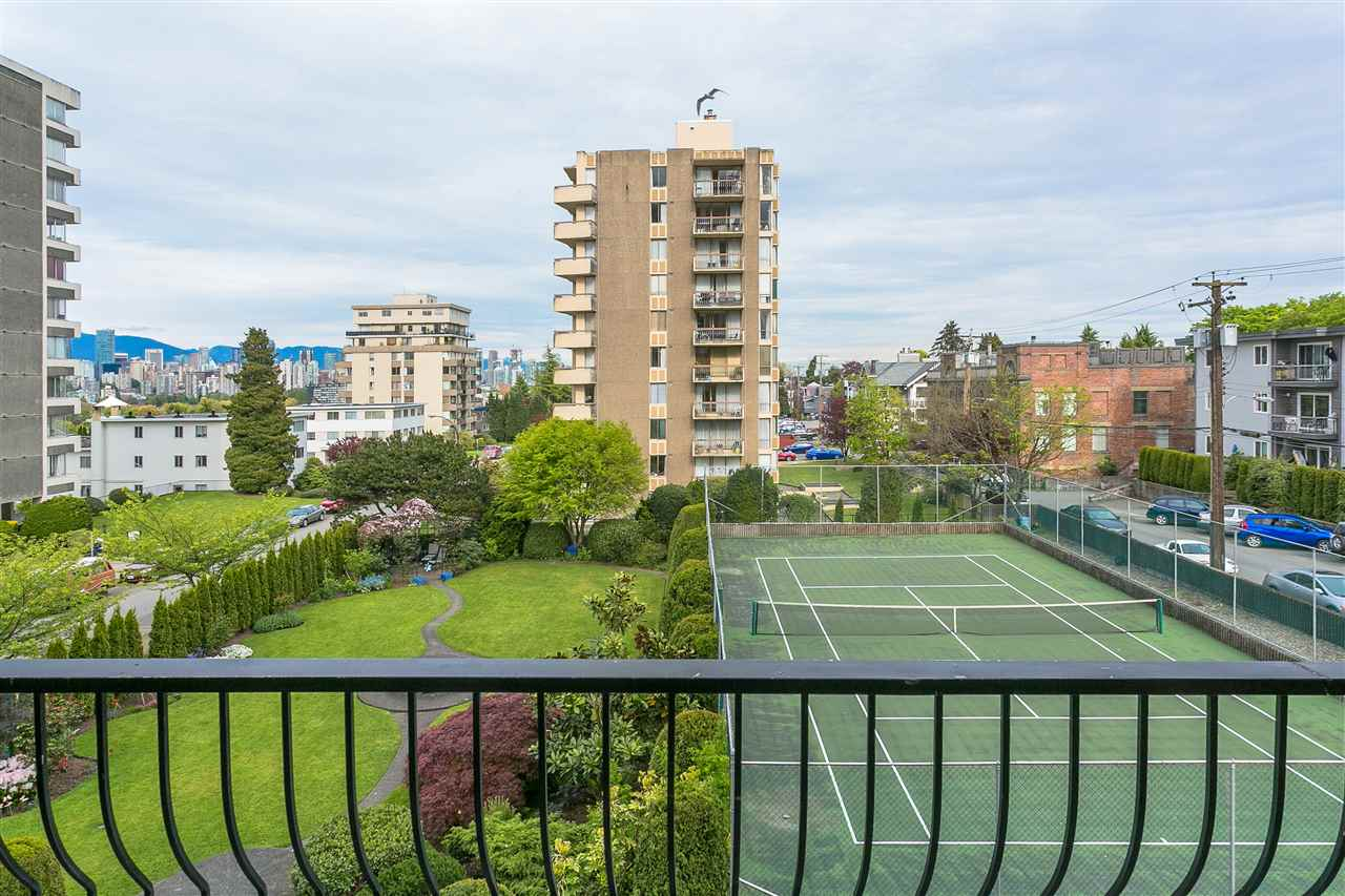 Condo Apartment at 304 2370 W 2ND AVENUE, Unit 304, Vancouver West, British Columbia. Image 8
