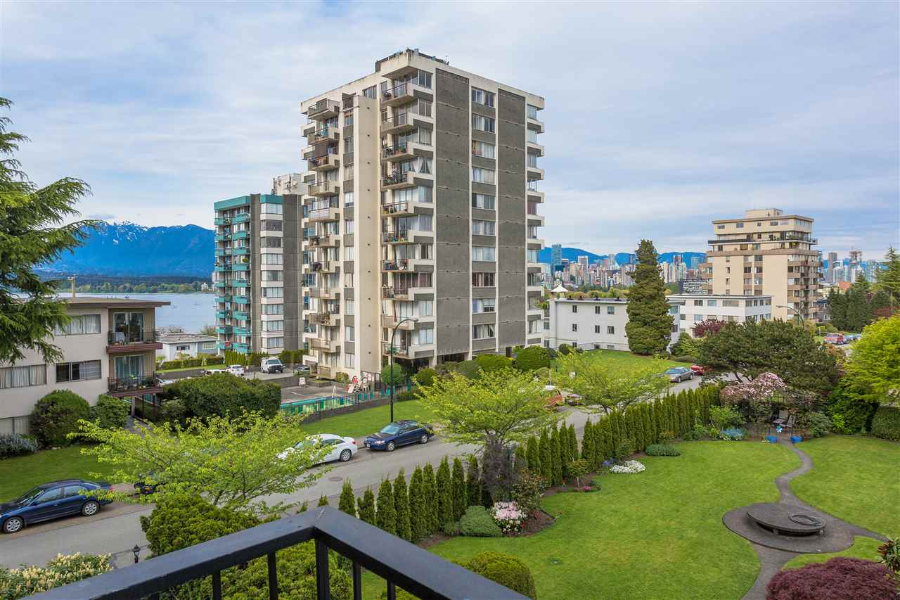 Condo Apartment at 304 2370 W 2ND AVENUE, Unit 304, Vancouver West, British Columbia. Image 9