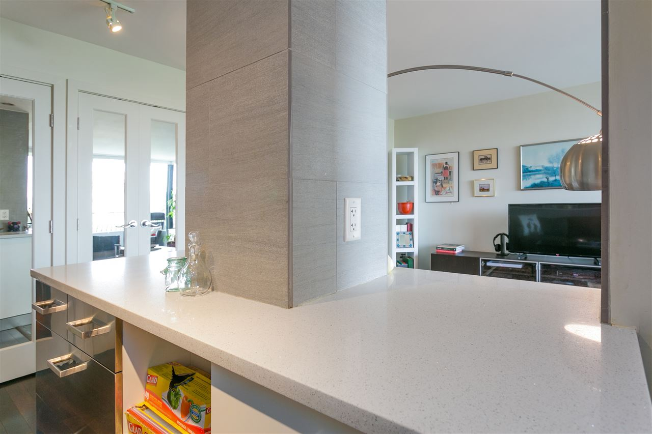 Condo Apartment at 304 2370 W 2ND AVENUE, Unit 304, Vancouver West, British Columbia. Image 16