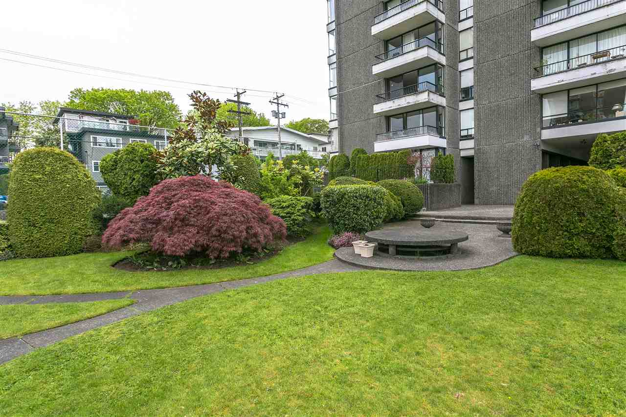 Condo Apartment at 304 2370 W 2ND AVENUE, Unit 304, Vancouver West, British Columbia. Image 19