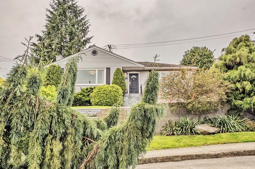 Detached at 802 BURNABY STREET, New Westminster, British Columbia. Image 1