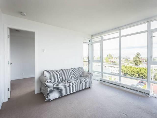 Condo Apartment at 706 1455 GEORGE STREET, Unit 706, South Surrey White Rock, British Columbia. Image 4
