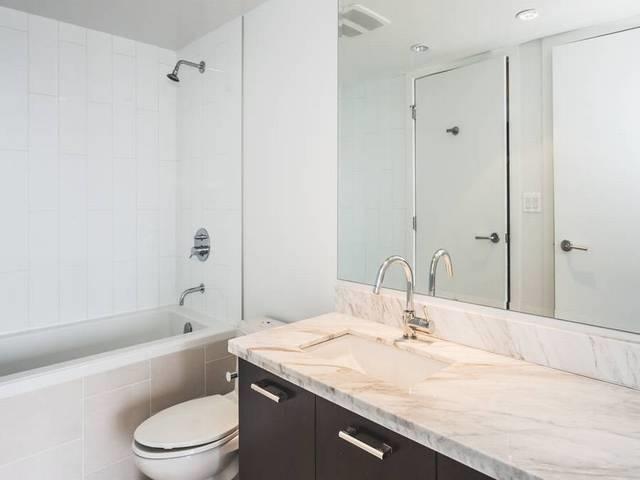 Condo Apartment at 706 1455 GEORGE STREET, Unit 706, South Surrey White Rock, British Columbia. Image 10