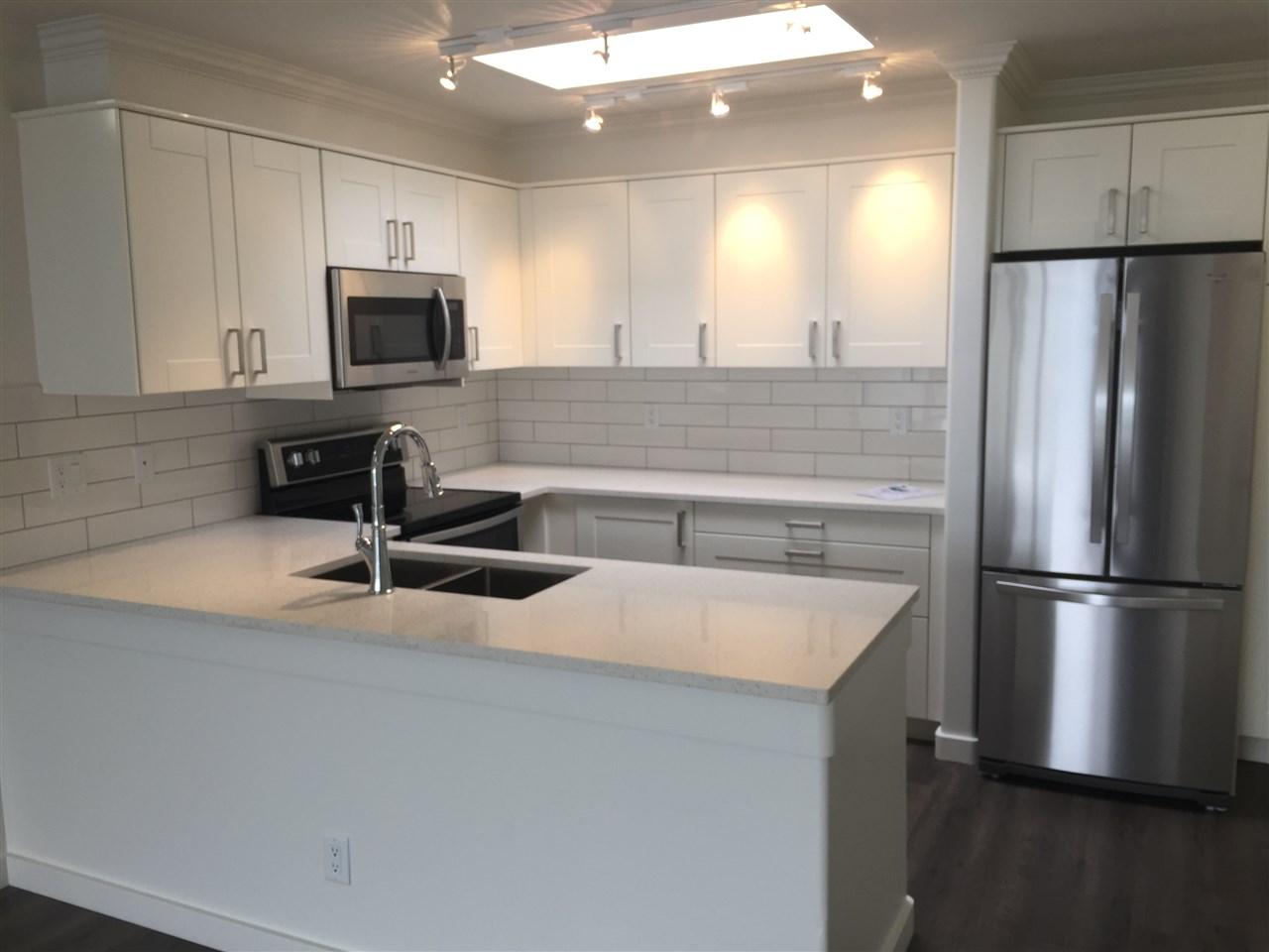 Condo Apartment at 312 1119 VIDAL STREET, Unit 312, South Surrey White Rock, British Columbia. Image 2