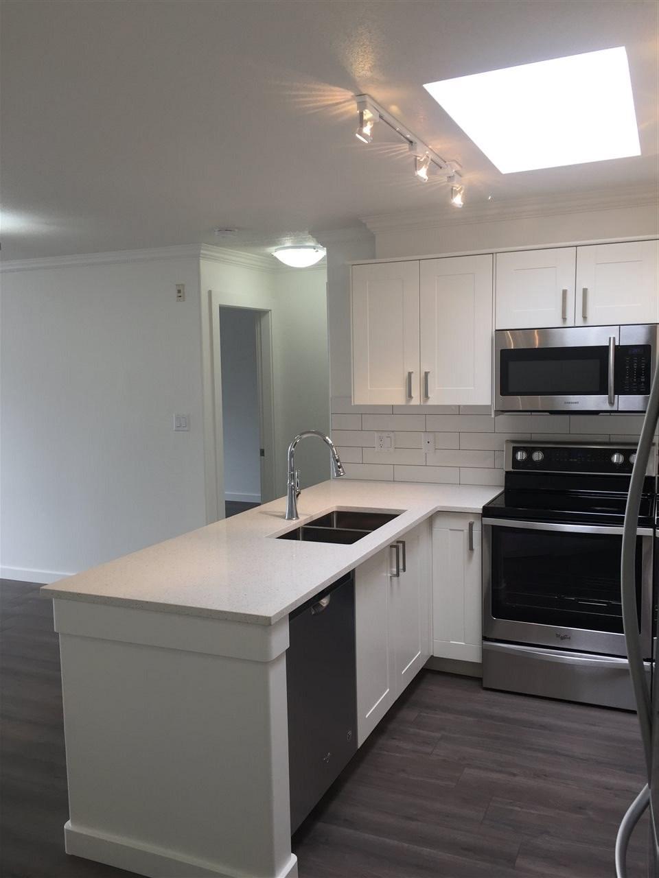 Condo Apartment at 312 1119 VIDAL STREET, Unit 312, South Surrey White Rock, British Columbia. Image 4