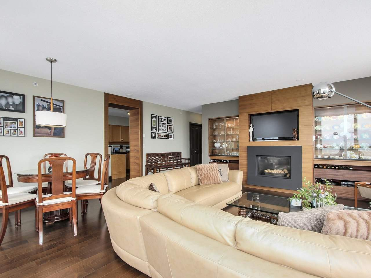 Condo Apartment at 1701 4788 HAZEL STREET, Unit 1701, Burnaby South, British Columbia. Image 4
