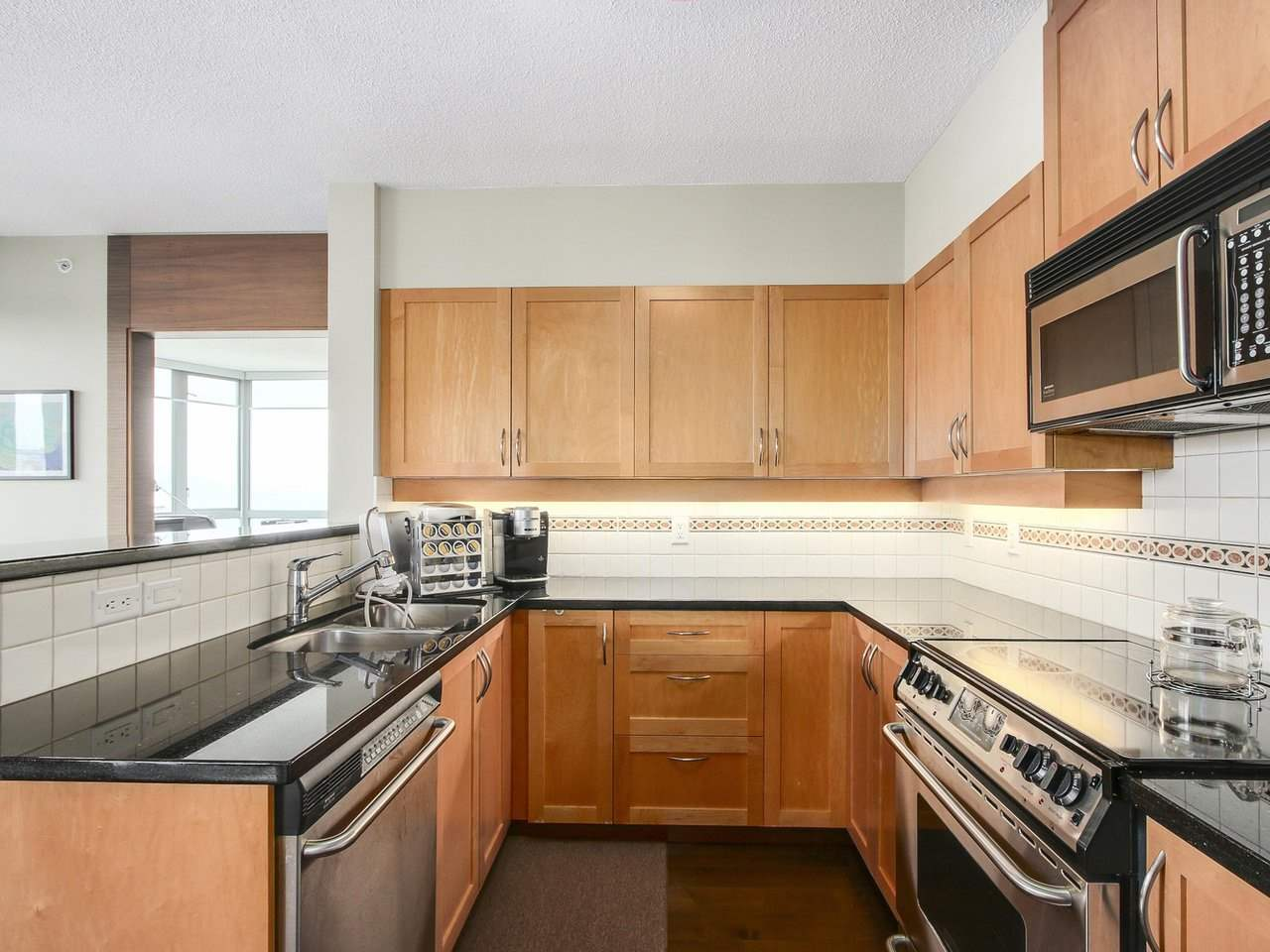 Condo Apartment at 1701 4788 HAZEL STREET, Unit 1701, Burnaby South, British Columbia. Image 7