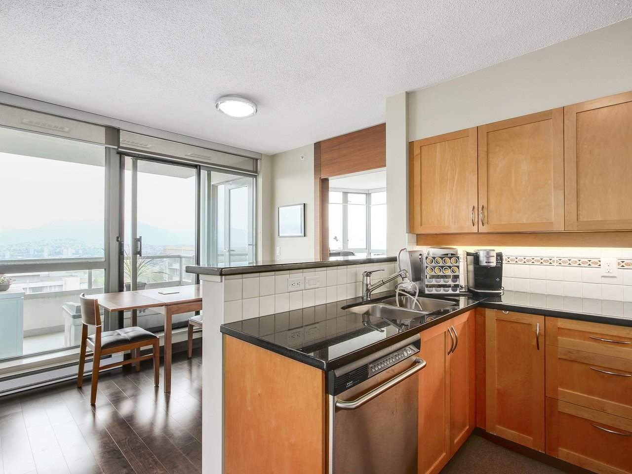 Condo Apartment at 1701 4788 HAZEL STREET, Unit 1701, Burnaby South, British Columbia. Image 8