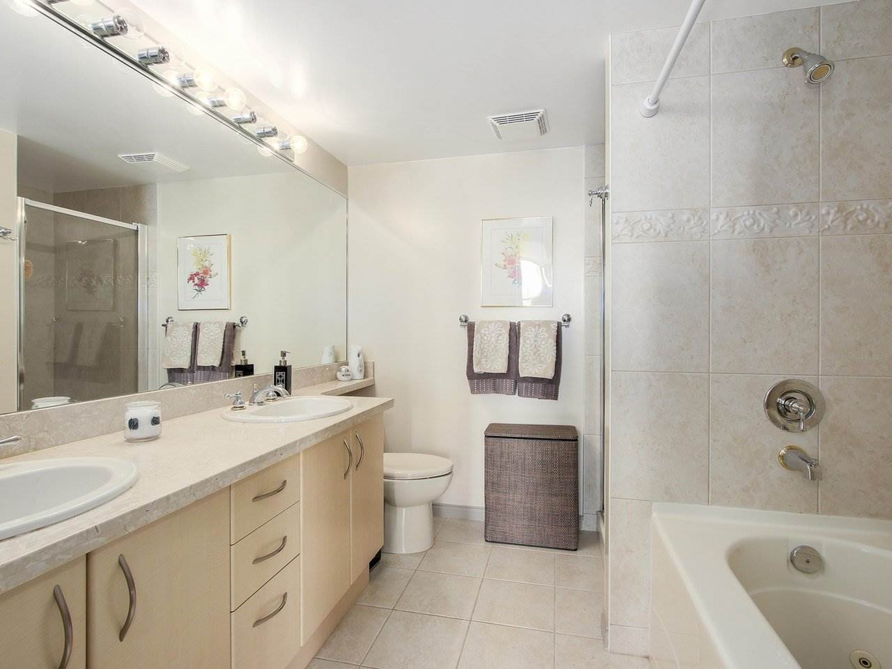 Condo Apartment at 1701 4788 HAZEL STREET, Unit 1701, Burnaby South, British Columbia. Image 15