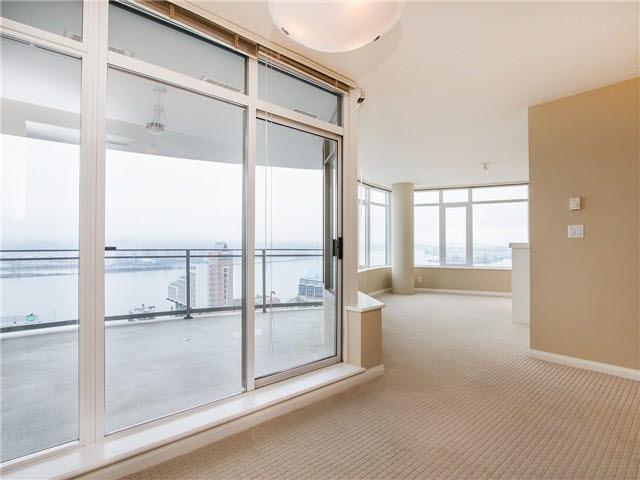 Condo Apartment at 1601 888 CARNARVON STREET, Unit 1601, New Westminster, British Columbia. Image 2