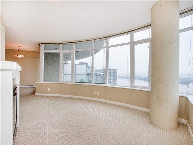 Condo Apartment at 1601 888 CARNARVON STREET, Unit 1601, New Westminster, British Columbia. Image 5
