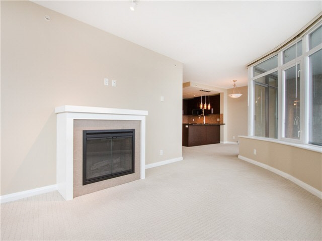 Condo Apartment at 1601 888 CARNARVON STREET, Unit 1601, New Westminster, British Columbia. Image 9