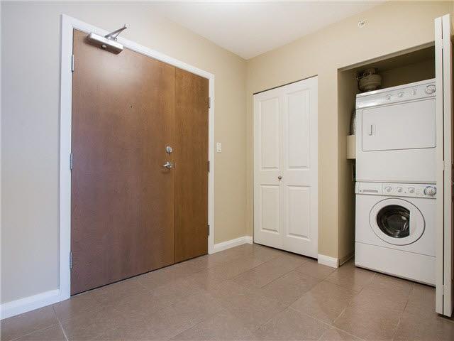 Condo Apartment at 1601 888 CARNARVON STREET, Unit 1601, New Westminster, British Columbia. Image 13