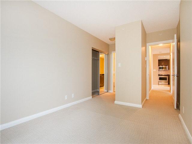 Condo Apartment at 1601 888 CARNARVON STREET, Unit 1601, New Westminster, British Columbia. Image 15