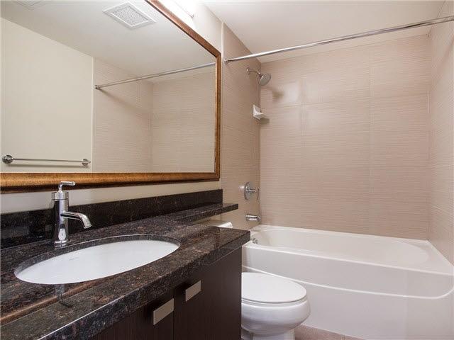 Condo Apartment at 1601 888 CARNARVON STREET, Unit 1601, New Westminster, British Columbia. Image 16