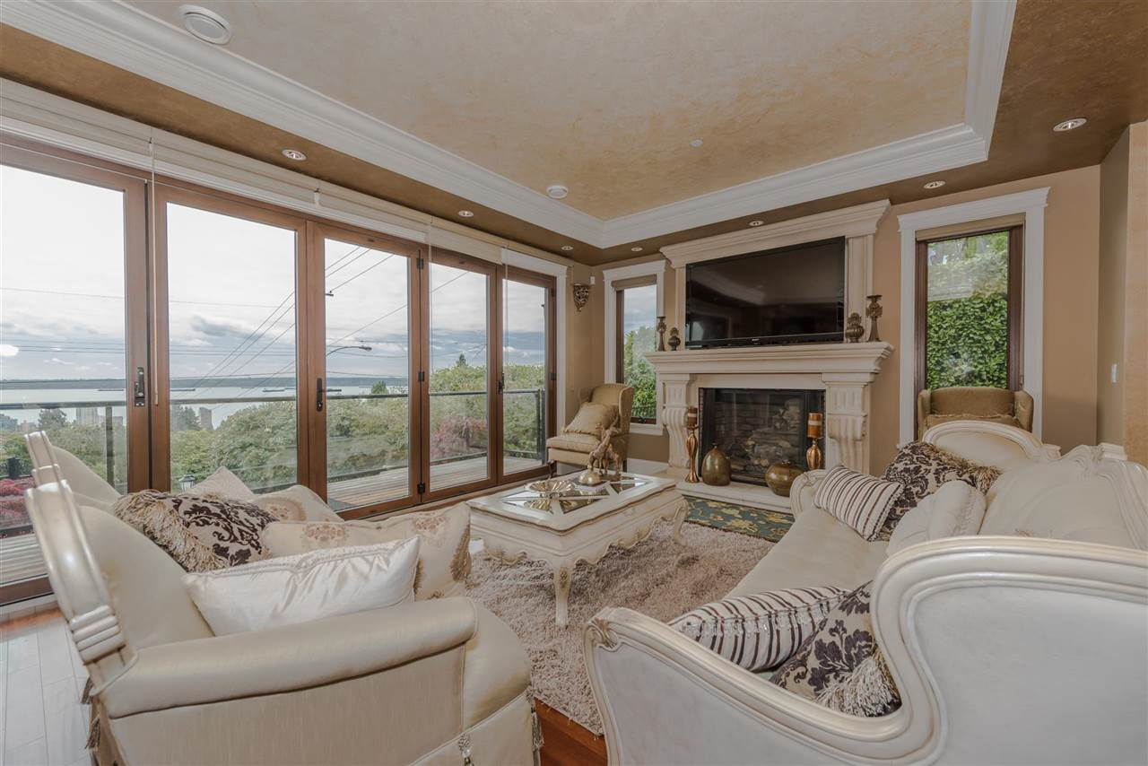 Detached at 2195 PALMERSTON AVENUE, West Vancouver, British Columbia. Image 5