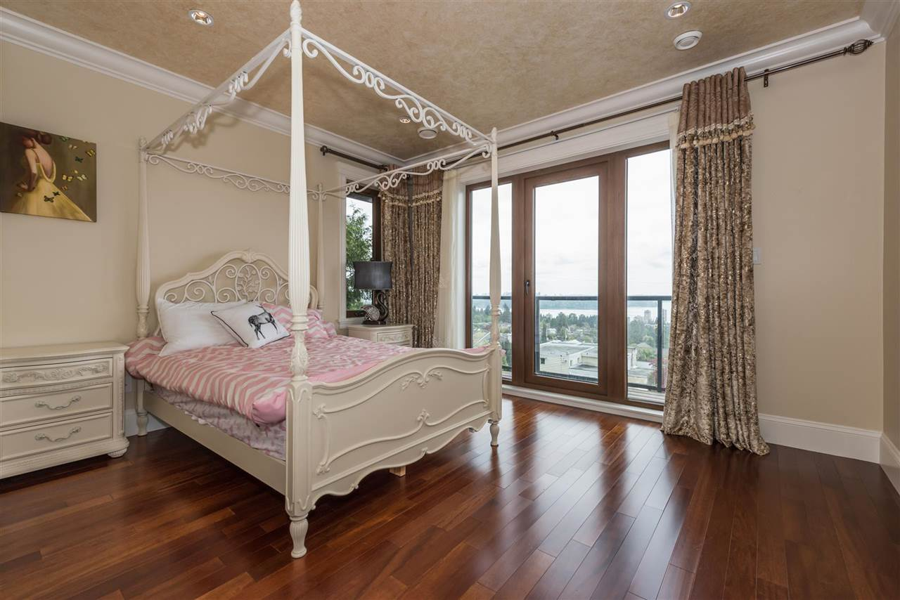 Detached at 2195 PALMERSTON AVENUE, West Vancouver, British Columbia. Image 14