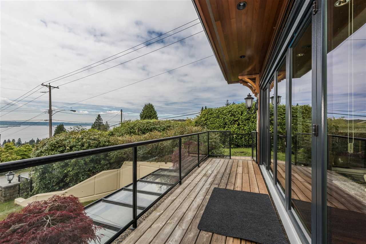 Detached at 2195 PALMERSTON AVENUE, West Vancouver, British Columbia. Image 19