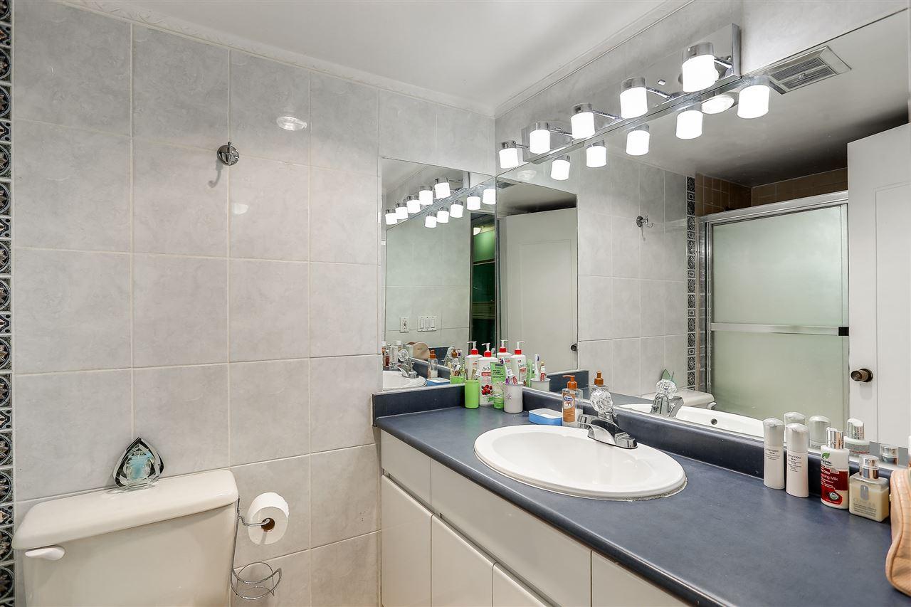 Condo Apartment at 102 5645 BARKER AVENUE, Unit 102, Burnaby South, British Columbia. Image 15