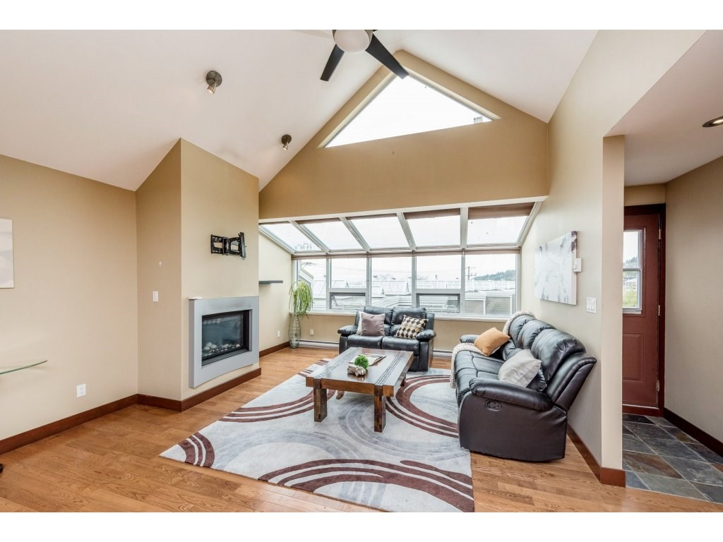 Townhouse at 1115 ELM STREET, South Surrey White Rock, British Columbia. Image 3